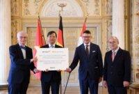 Messer to send 30,000 rapid coronavirus tests to Vietnam